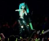 Japonijos popžvaigždė – 3D holograma